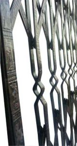 عکس حفاظ آکاردئونی چهارخم تسمه نقش دار